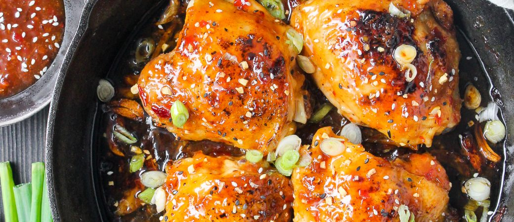One-Skillet Sweet 'n Spicy Chicken Thighs (6 Ingredients!)